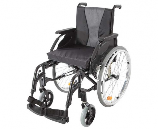 Кресло-коляска Action 3NG Invacare (литые шины)